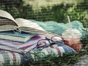 Tra poco è estate: c'è chi legge e chi… condivide!
