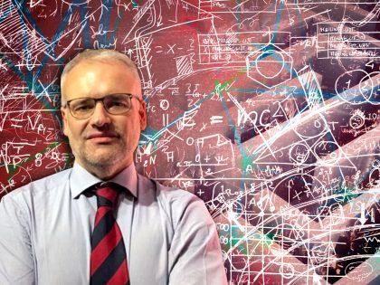 Abitare la complessità: tra riduzione e semplificazione. Ne parliamo col professor Piero Dominici.